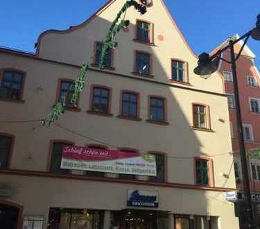 Großzügige Ladeneinheit in historischem Gebäude, zentrale Innenstadtlage