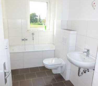 Bild_Erstbezug nach Renovierung: schöne 3-Raumwohnung mit neuem Bad und Laminat