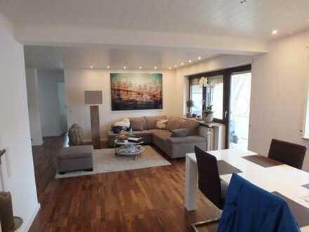 Schöne, modernisierte 3-Zimmer-Wohnung mit Balkon und EBK in Ladenburg