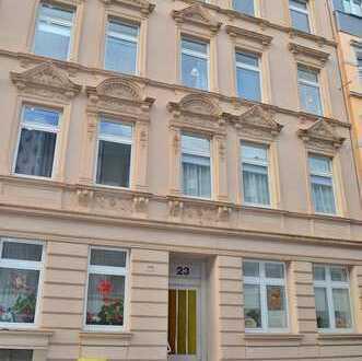 Solide Kapitalanlage in Wuppertal: Saniertes MFH (teilverm.) mit 10 Wohneinheiten & 17 Stellplätzen