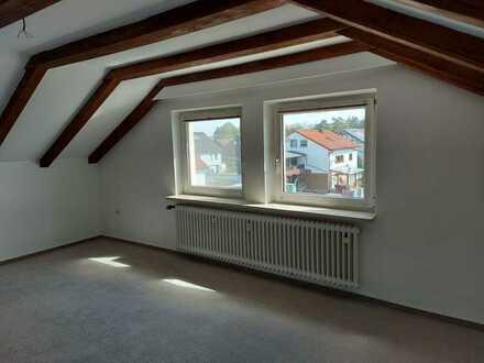 Schöne zwei Zimmer Dachgeschosswohnung in Weiden