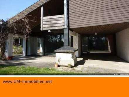 Waldkraiburg Ost: geräumige 70iger Jahre Architektenvilla mit Einliegerwohnung