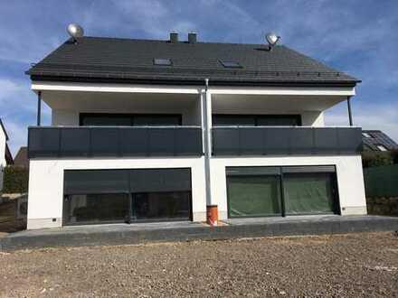 Erstbezug: 2 Hochwertige Neubau-Wohnungen mit Terrasse