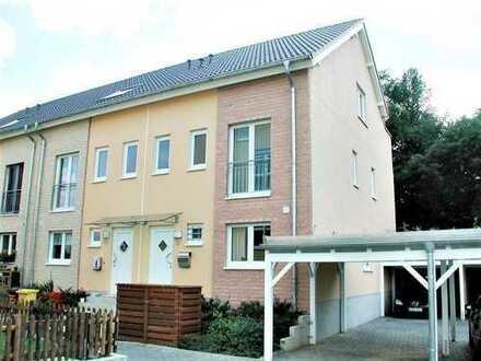 Helles Reihenhaus! Studio mit Bad & Dach-Terrasse. Carport! Garten!