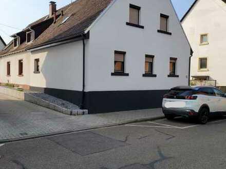 Schönes, geräumiges Haus mit zwei Zimmern in Karlsruhe, Daxlanden