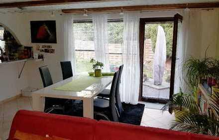 Schöne, helle drei Zimmer Wohnung in Esslingen-Berkheim