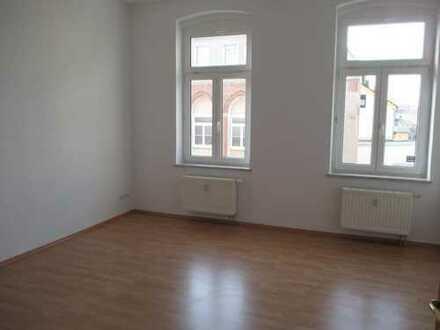 Schöne 2-Zimmer-Wohnung mit Balkon im 1. OG im Zentrum von Plauen - Annenstr. 33
