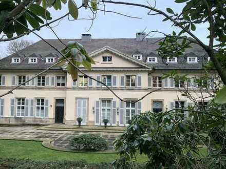 Briller Viertel - 4 Zimmerwohnung in denkmalgeschützter Villa mit Balkon und Garten- / Parknutzung