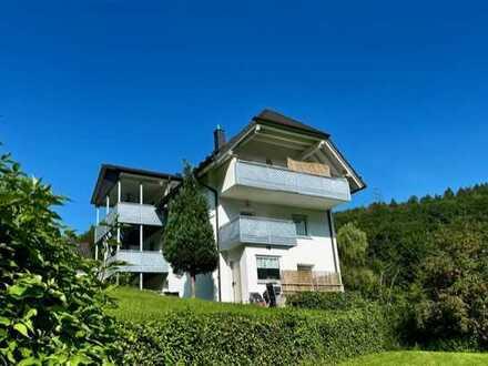Solides und sehr gepflegtes Mehrfamilienhaus mit 5 WE auf großem, sonnigen Grundstück