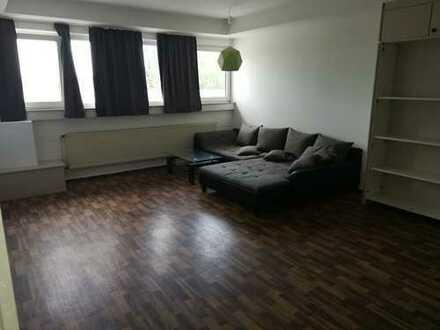 Große-Helle 3-Zimmer-Wohnung mit EBK in Eppelheim