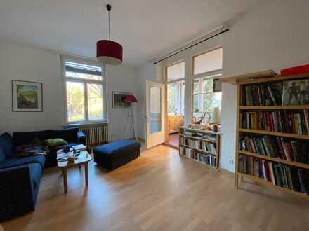 Lichtstarke 3,5-Zimmer-Wohnung im Zentrum von Neuenheim.