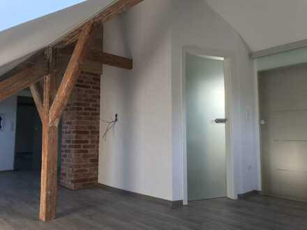Erstbezug nach Sanierung mit Balkon: ansprechende 5-Zimmer-Wohnung in Augsburg