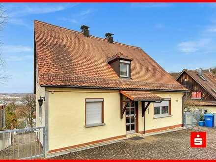 Großzügig & in Stadtnähe wohnen! 3-Zimmer Dachgeschosswohnung in Zell am Main