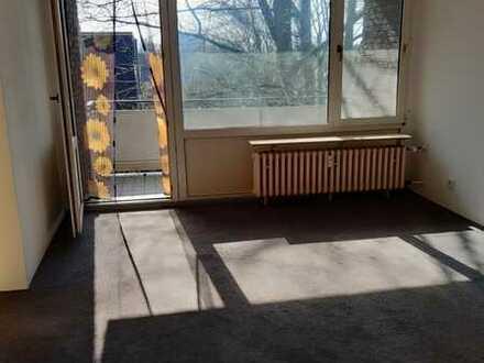 Schöne 3-Zimmerwohnung mit Balkon - WBS erforderlich!!