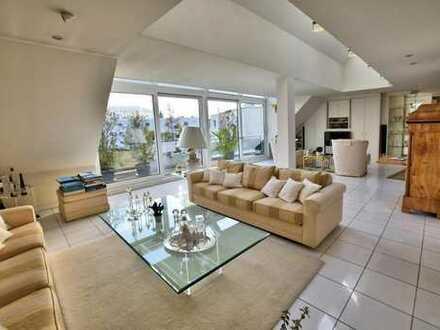 Großzügig, luxuriös, lichtdurchflutet - Galeriewohnung mit Appartement im Essener Süden