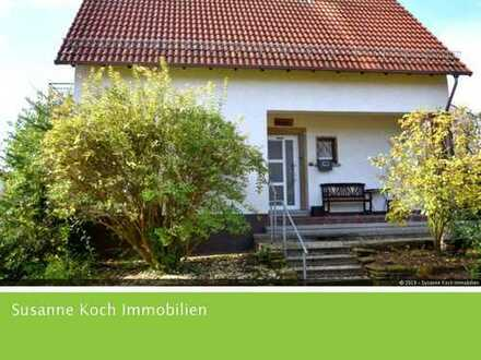 Einfamilienhaus mit viel Charme, herrlichem Garten in ruhiger Wohnlage sucht nette Familie