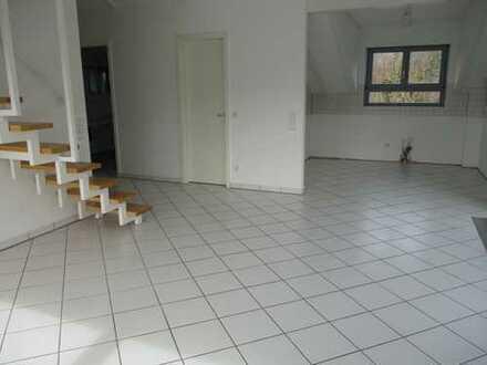 PROVISIONSFREI: Schicke 4 ZKB Maisonette-Wohn., mit 2 TG-Stellplätzen uvam.