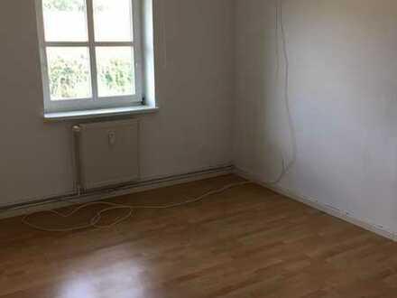 Preiswerte, modernisierte 3-Zimmer-Wohnung mit EBK in Nettelbeck