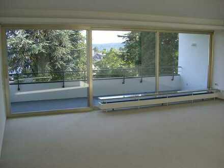 S zentrumsnah: 1a helle 4-Zi. Wohnung i. Grünen f. 2 Pers. v. Privat