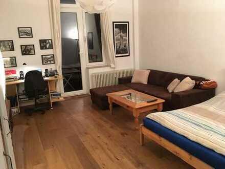 Wunderschöne 1-Zimmer-Wohnung mit Balkon und Einbauküche in der Kölner Südstadt (*befristet)