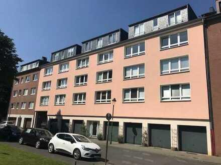 Schöne 2 Zimmer DG-Wohnung mit großer Süd-Terrasse in zentraler Lage von Düsseldorf