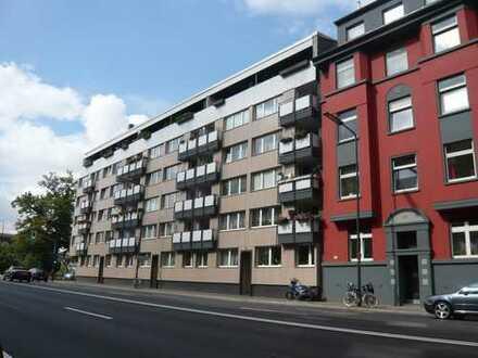 Wohnen in der City! Top renovierte 3 Zimmerwohnung in Bilk