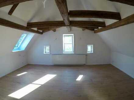 Modernisierte 4,5-Zimmer-Maisonette-Wohnung mit Einbauküche in Herrenberg