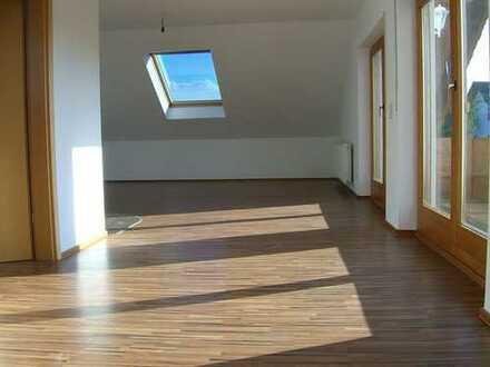 Moderne 2-Zimmer-Dachgeschosswohnung