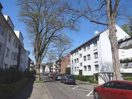 Düsseldorf - Vennhausen / Eller, Erdgeschoss - 3 Zimmer, KDB, kleiner Balkon
