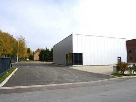 Halle mit Freifläche in Top-Sichtlage, B508, 17.000 Fahrzeuge/Tag