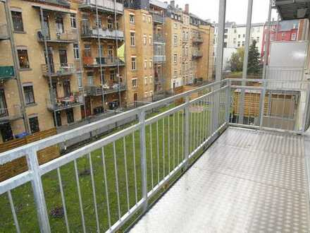 ++ 112 m² - Vier-Zimmer-Wohnung in zentrumsnähe ++