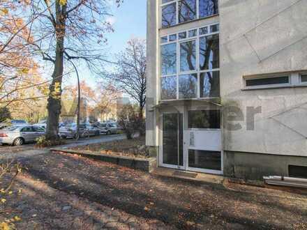 Direkt am Park: Charmantes Apartment mit Balkon und Keller in Spandau