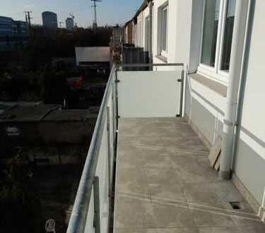 Helle 4-Zimmer-Wohnung mit Balkon im 4. OG