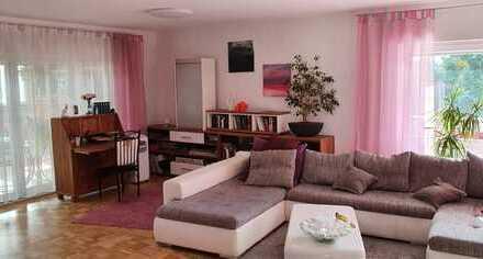 Großzügig geschnittene 3,5 Zimmer Wohnung