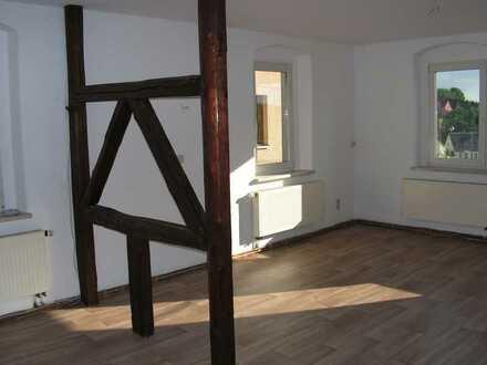 Wohnen im Grünen, vollständig renovierte 3-Zimmer-Wohnung in Callenberg