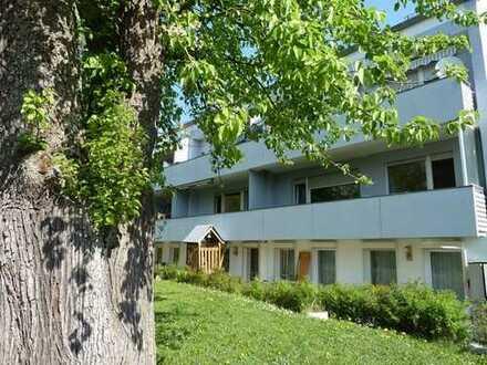 Familiengerecht wohnen - Schöne 4-Zimmerwohnung mit Terrasse und Garage