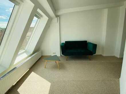 Über den Dächern Stuttgart West neu möbliert in bester Lage (Zimmer 3/4 in 4er WG)