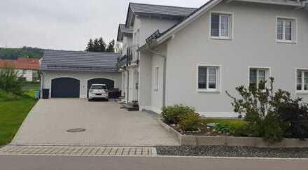 Doppelhaushälfte in Boos zu vermieten!