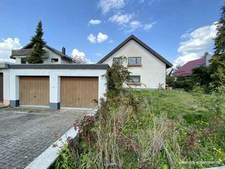 Sanierungsbedürftiges Zweifamilienhaus in guter Lage