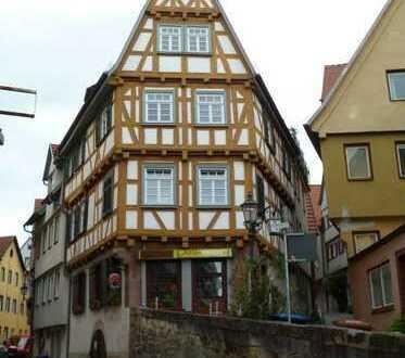 PROVISIONSFREI: Beliebte gutbürgerliche Gaststätte in einem historischen Gebäude der Altstadt