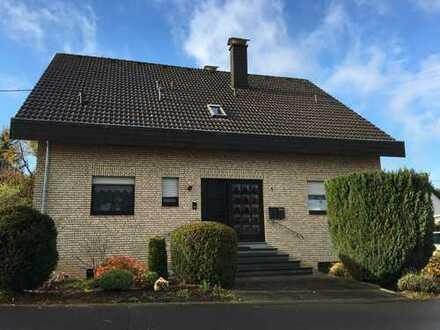 Helle, renovierte 3-Zimmer-Wohnung mit großem Balkon in Zweifamilienhaus Vulkaneifel, Mehren