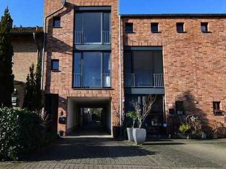 Außergewöhnliches Haus für besondere Ansprüche - zur Eigennutzung oder als Renditeobjekt -