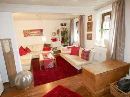 Solides Dreifamilienhaus in Niederwerrn
