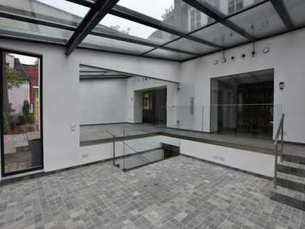 Sehr exclusive Bürovilla auf einem gepflegten Gartengrundstück für Individualisten