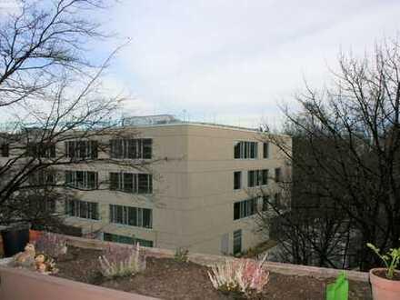 Gut geschnittene 1 Zimmer-Wohnung mit extra großem Balkon