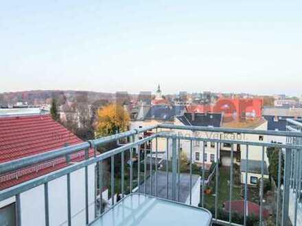 Schöne Maisonette-Wohnung mit Balkon und fantastischem Ausblick in zentrumsnaher Lage von Meerane!