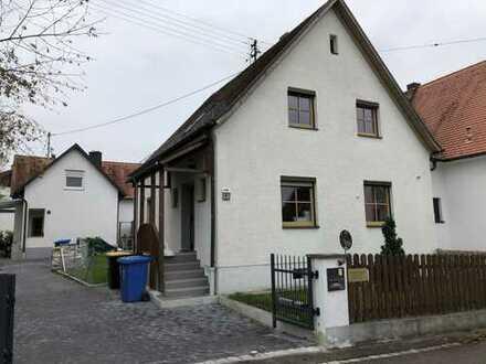 Doppelhaushälfte in Friedberg, zentral gelegen