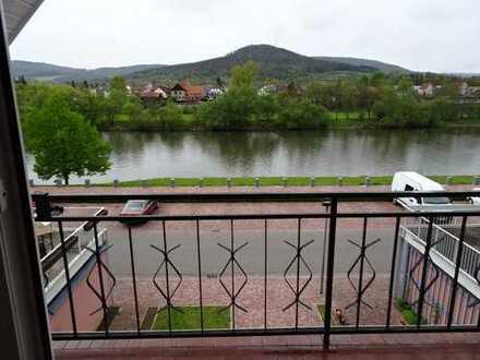 ***Multifunktionales Wohnhaus mit Büro/ Laden am Main Ufer mit freiem Blick ***