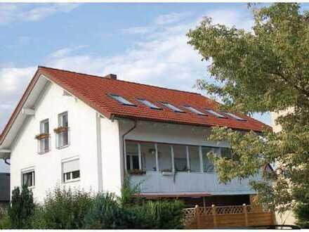 Stilvolle, neuwertige, teilmöblierte 5-Zimmer-Wohnung mit Garten und EBK in Lerchenau, München
