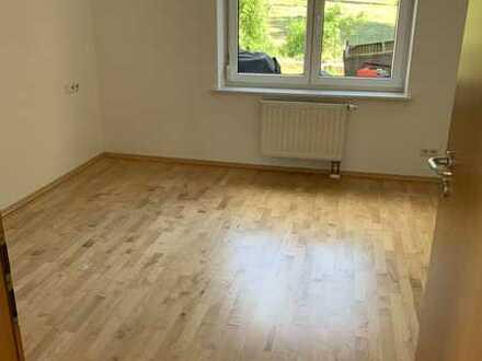 Schöne lichtdurchflutete 2-Zimmer EG Wohnung in Marbach